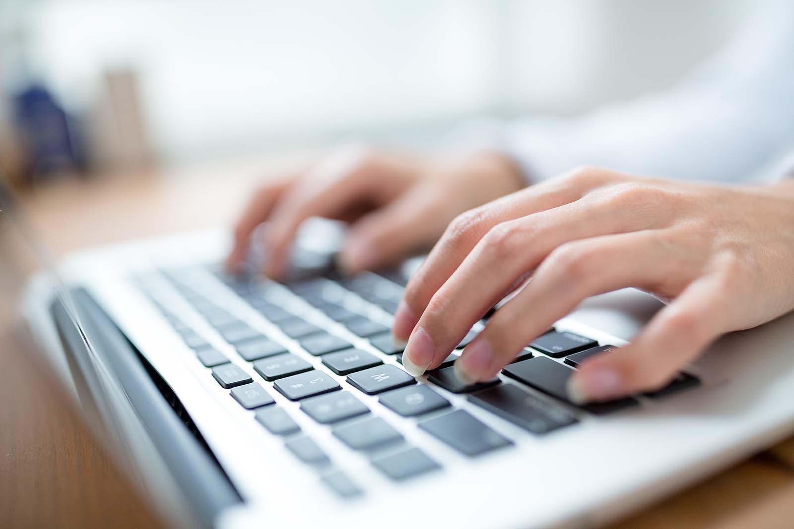Tips om energie te besparen met ICT-apparatuur